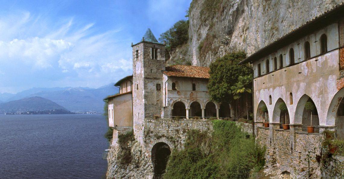 MERAVIGLIE | L'Eremo di Santa Caterina del Sasso