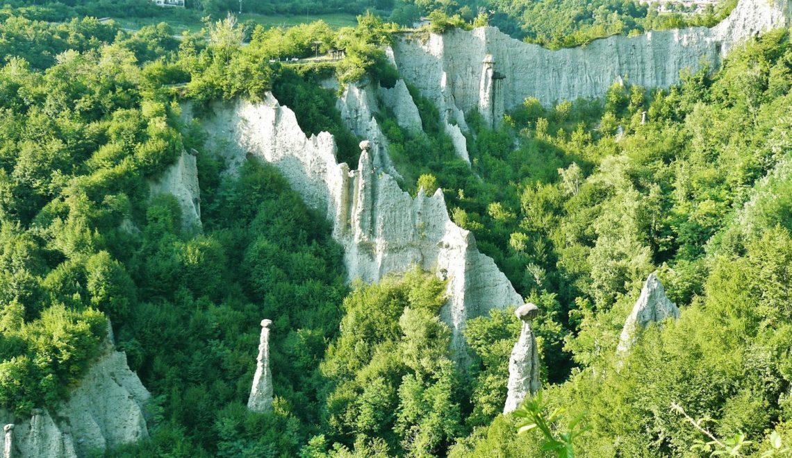 Lombardia segreta: Le Piramidi di Zone