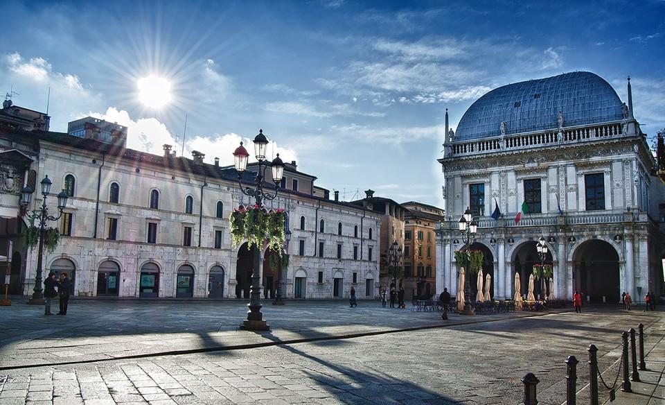 MERAVIGLIE | Piazza della Loggia di Brescia